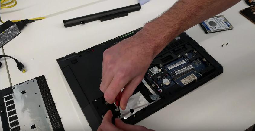 Как сделать динамик на ноутбуке